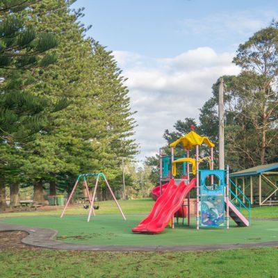 Gerroa park near Southerly Change, holiday house
