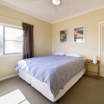 Southerly Change Gerroa holiday house king bedroom or two single beds